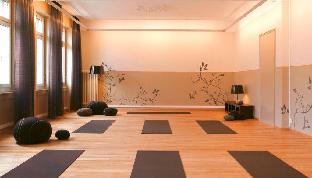 beweg.grund Freitag Pilates Haltung, Yoga, Kurs, St. Gallen Zentrum